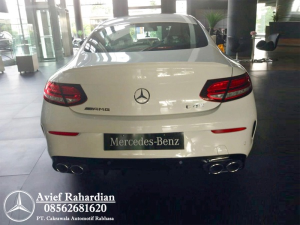 MERCEDES BENZ AMG C 43 COUPE (8)