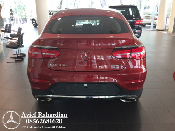 MERCEDES BENZ GLC 300 COUPE AMG LINE (8)