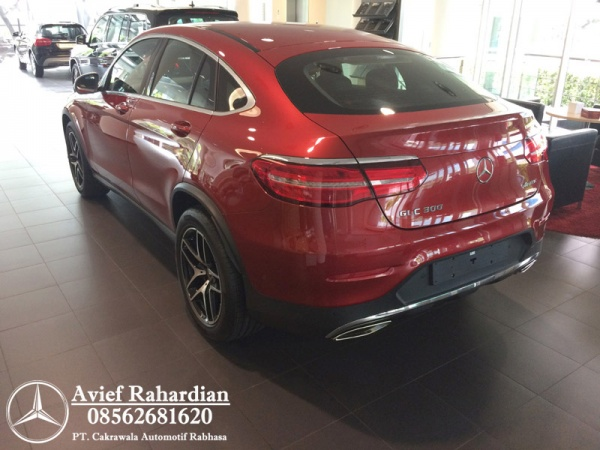 MERCEDES BENZ GLC 300 COUPE AMG LINE (9)