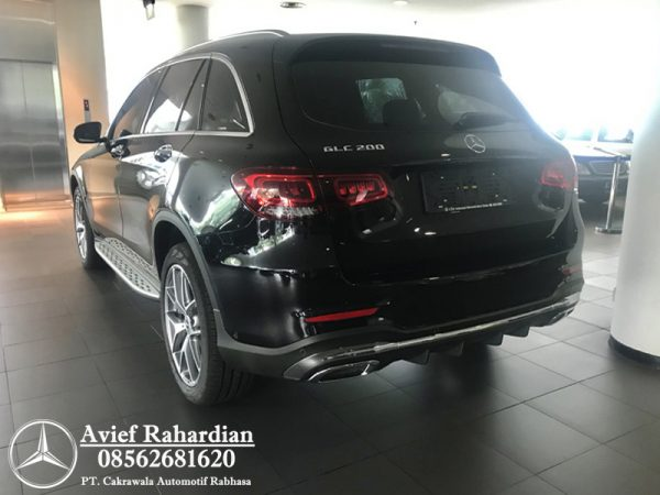 MERCEDES BENZ GLC 200 AMG FL (4)