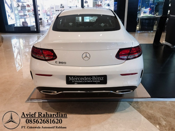 MERCEDES BENZ C 300 COUPE AMG LINE (8)