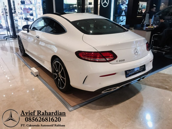MERCEDES BENZ C 300 COUPE AMG LINE (9)