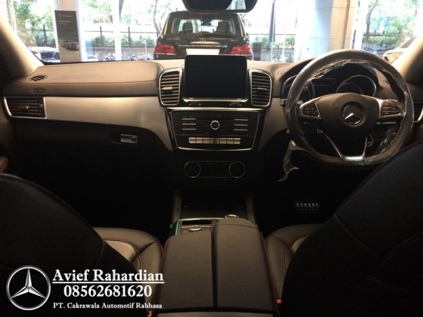 MERCEDES BENZ GLE 400 COUPE AMG LINE (10)