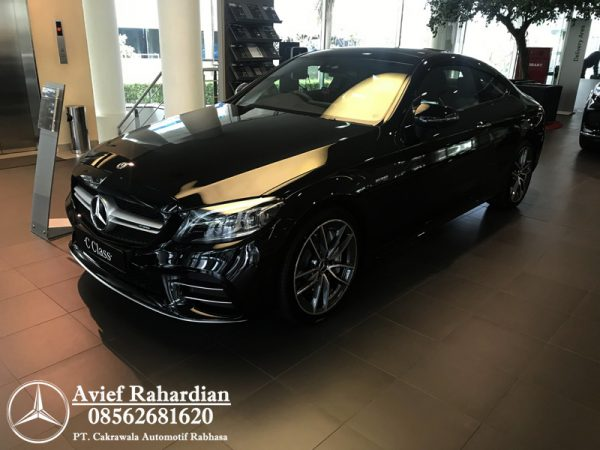 MERCEDES BENZ AMG C 43 COUPE (2)
