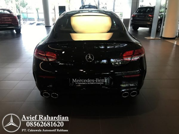 MERCEDES BENZ AMG C 43 COUPE (3)