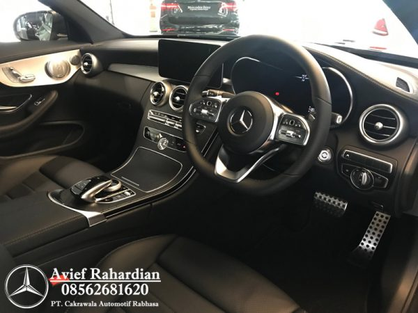 MERCEDES BENZ C 300 COUPE AMG LINE (5)