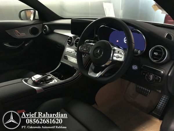 MERCEDES BENZ C 200 COUPE AMG LINE (10)