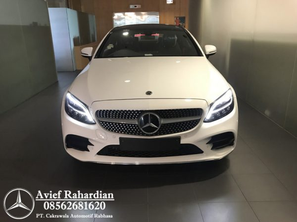 MERCEDES BENZ C 200 COUPE AMG LINE (6)